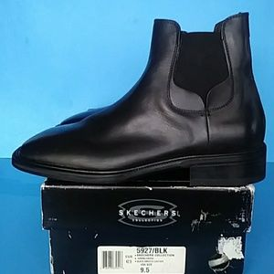 BRAND NEW SKECHERS LEATHER BOOTS